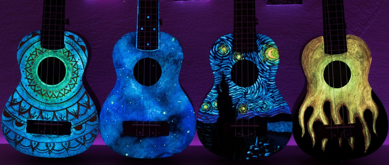 Ukeleles personalizados con brillo en oscuridad por whop.es